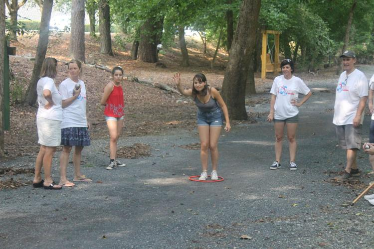 Roswell opens park to Atlanta Pétanque League
